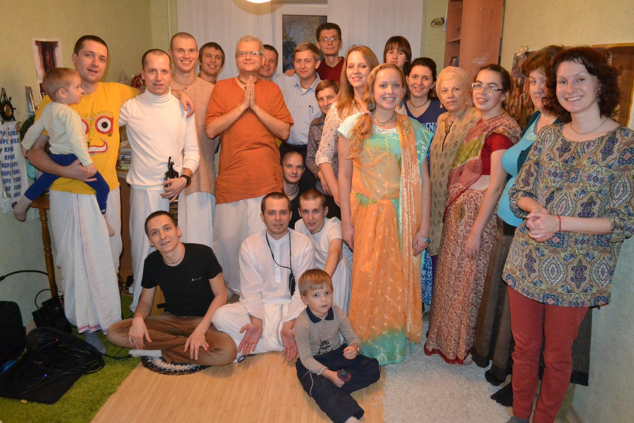 Ангира Гауранга прабху и его команда